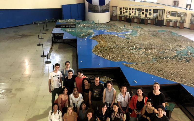 Students at the Maqueta (city model) of Havana (Photo by Daniel Juarez)